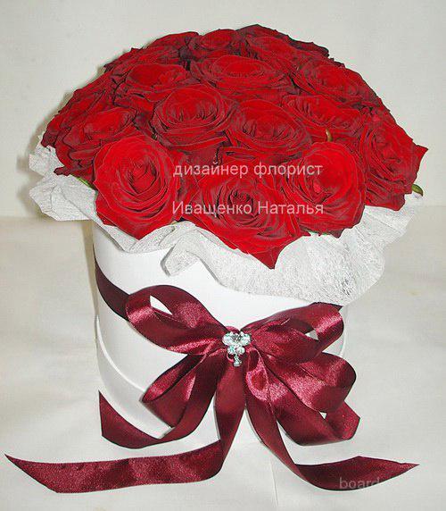 Коробки с цветами женский праздник 8 марта