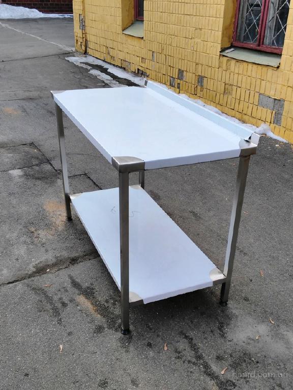 Продам стол производственный с бортом и полкой