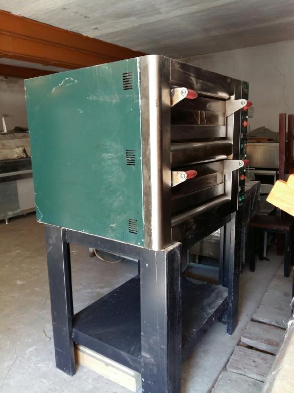 Продам двухуровневую печь для пиццы бу