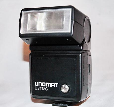 Фотовспышка..Unomat B24 TAC..Thyristor-Computerautomatic новая