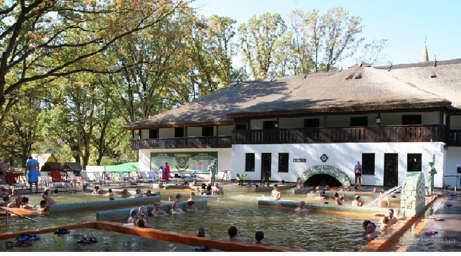 Тур:  маленькая Украинская Венгрия Купание   в  термальных источниках в  Комплексе «Термальные воды Косино»