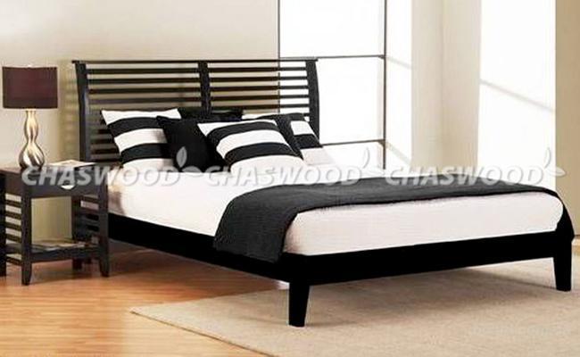 Двуспальная кровать Карина из натурального дерева