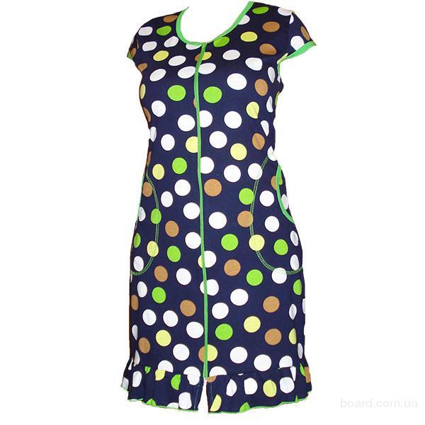 Женские трикотажные халаты различных моделей и расцветок, ночные сорочки