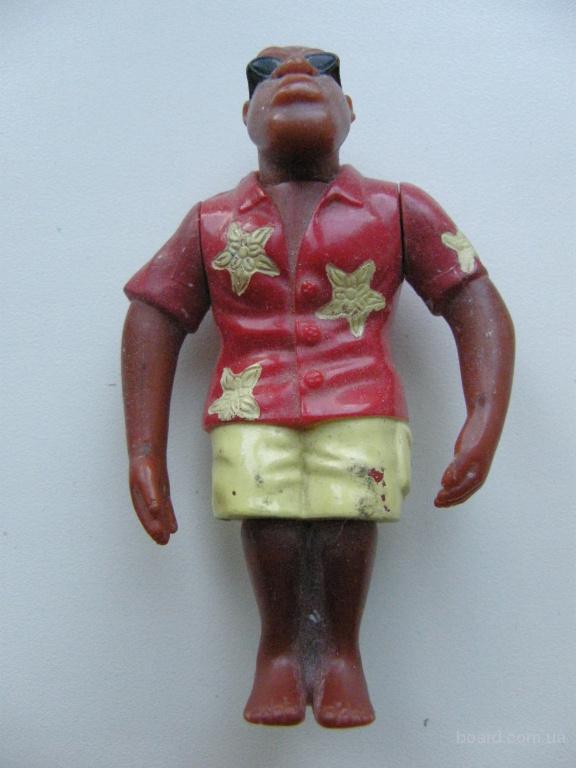 продам фигурку пляжника-негра, кукла, игрушка.