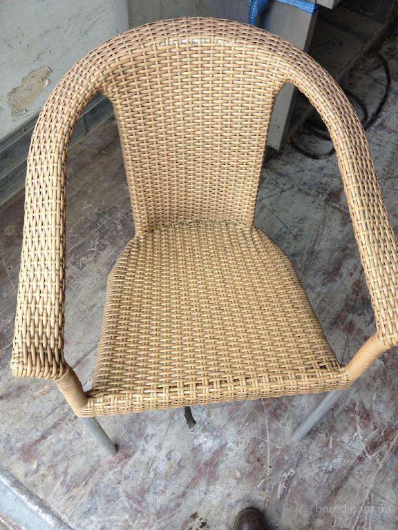 Продам кресла бу из искусственного ротанга для кафе