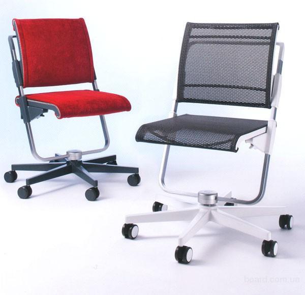 Отличная детское компьютерное кресло moll Scooter 15
