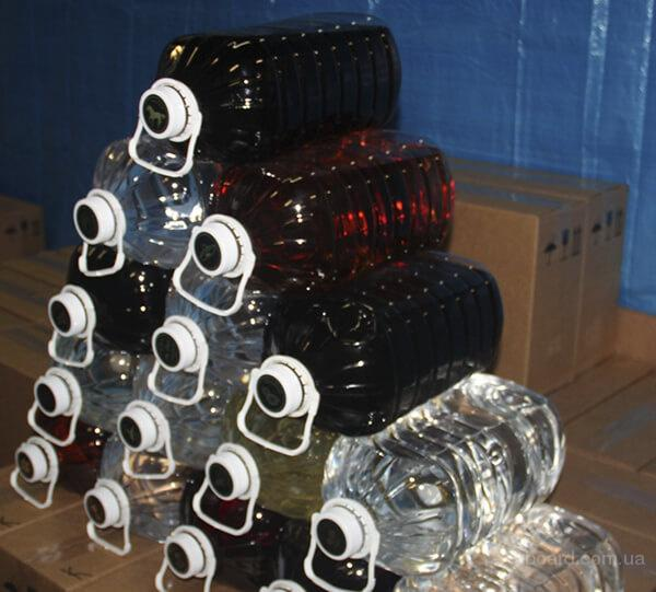 """Водка (Львов), Коньяк (Ужгород) """"классика"""" бутилированные в ПЭТ тару по 3 литра (6шт=18л) и 10 литров (2*10=20л) в гофроящиках."""