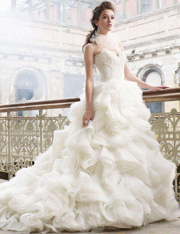 Свадебные платья со шлейфом от салона ЖениховНет