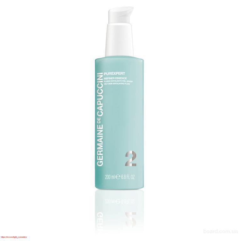 очищающая эссенция для жирной кожиОтшелушивающая эссенция, удаляющая с поверхности кожи отмершие клетки, которые закупоривают поры и делают кожу более