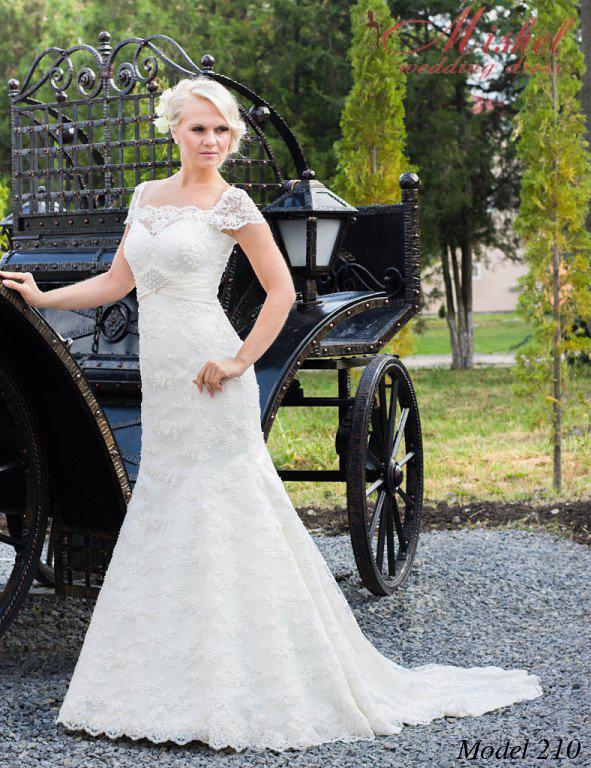 """Свадебные, вечерние и выпускные платья в салоне """"Мишель"""""""