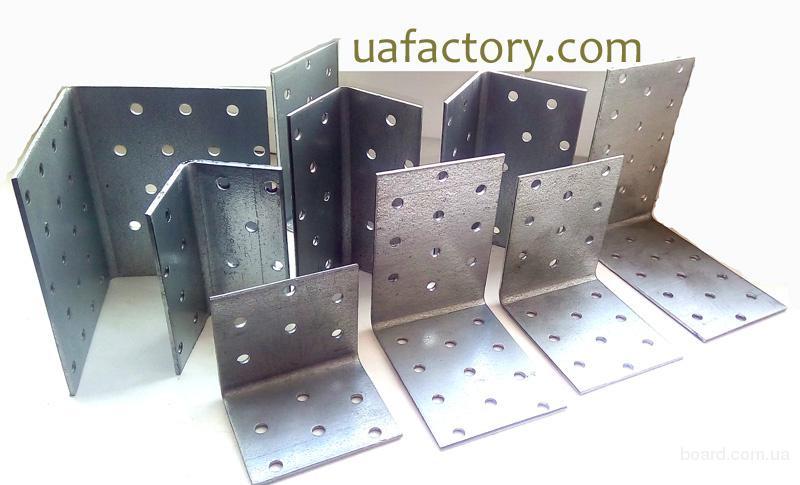 Крепеж  перфорированный из оцинкованной стали от производителя