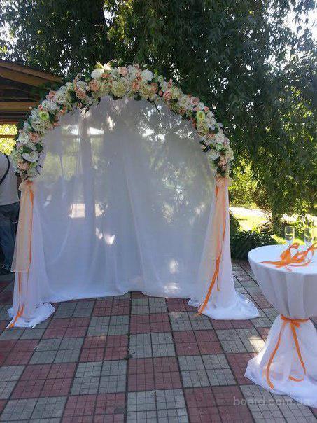 Свадебная арка Персикового цвета