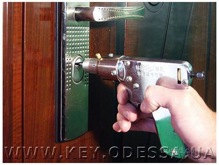 Экстренное открывание дверей