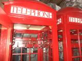 "Гардеробная ""Красная телефонная будка"", б/у."