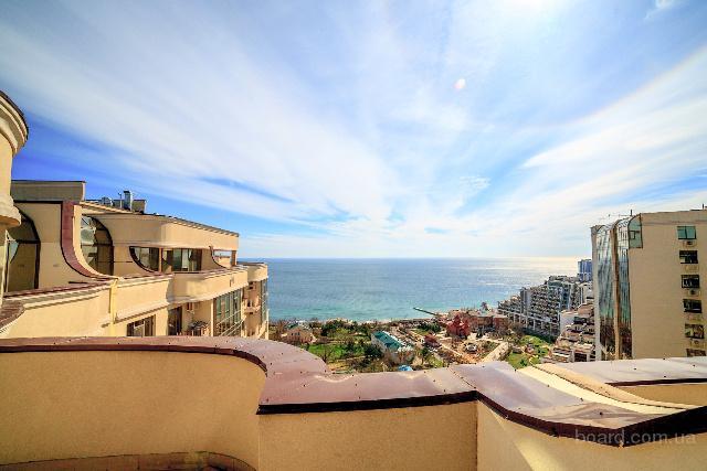 Снять квартиру с террасой и видом на море посуточно в Аркадии. Своя!