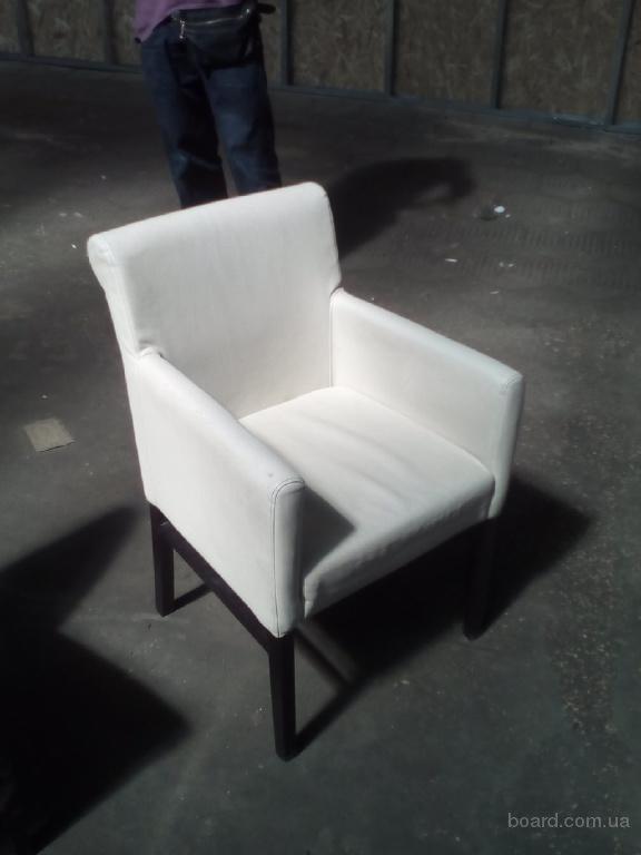 Продам крісло кремового кольору бу