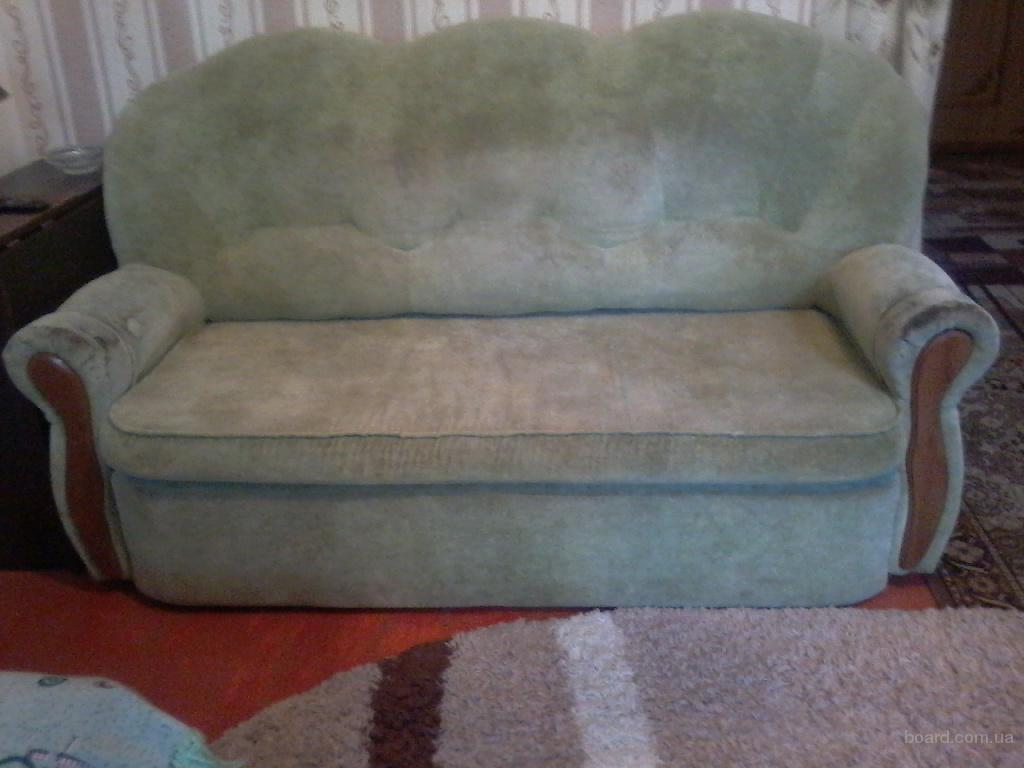 Продам мягкую мебель- диван и два кресла за 4000 грн.