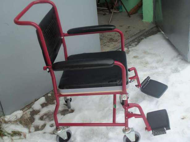 продам стул-туалет на колесиках