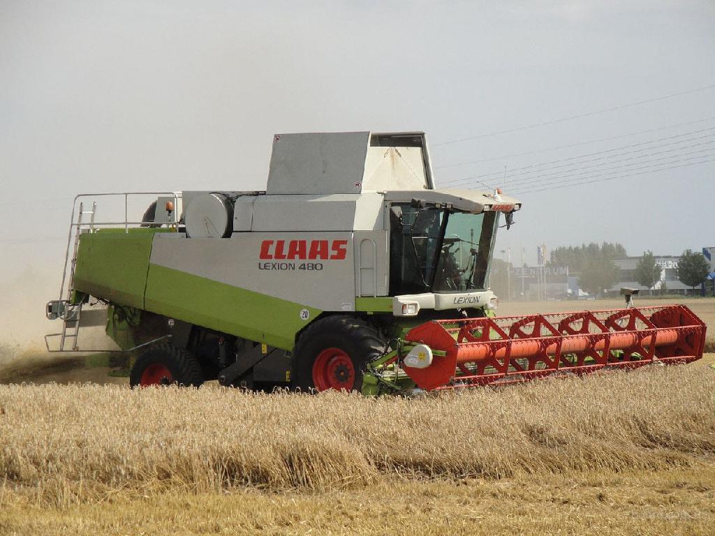 Уборка комбайнами зерна Киев, услуги уборки урожая зерна, аренда комбайнов на уборку зерновых