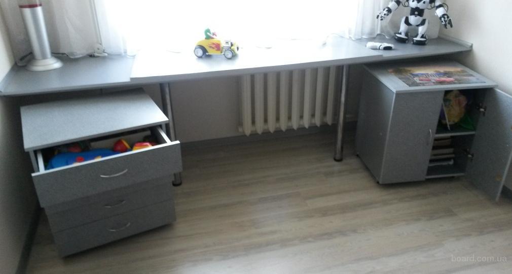 Набор мебели для детской или подростковой комнаты б/у. В отличном состоянии