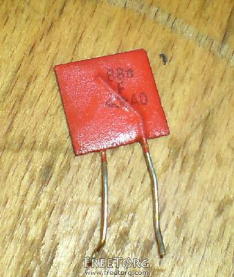 Куплю в больших количествах конденсаторы К10-7В(флажки)