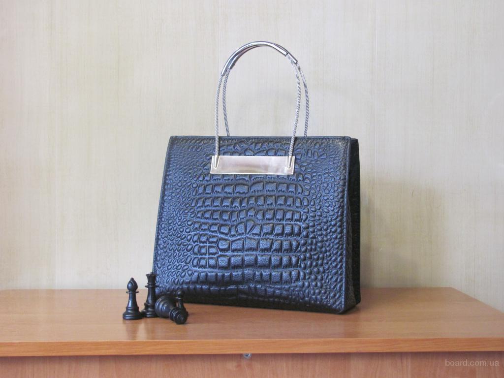 Шкіряна сумочка для ділової жінки