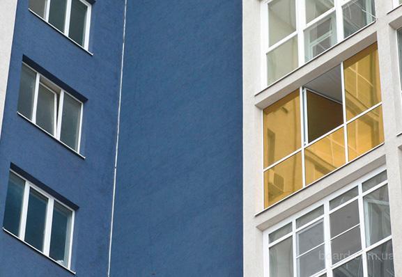 Тонирование окон, бронирование окон зданий, оклейка солнцезащитной пленкой.