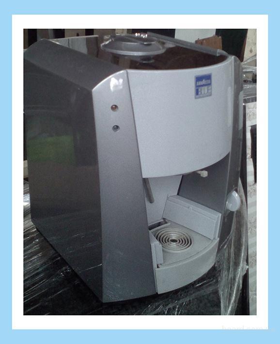 Продам капсульную кофеварку lavazza lb1000 бу