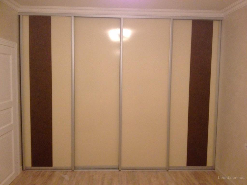 Шкаф-купе на 4 двери. вставки в двери agt панели глянец. про.