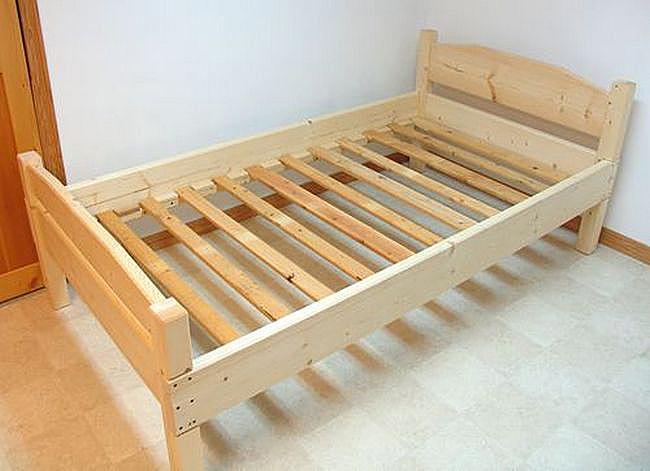 Новые деревянные односпальные кровати
