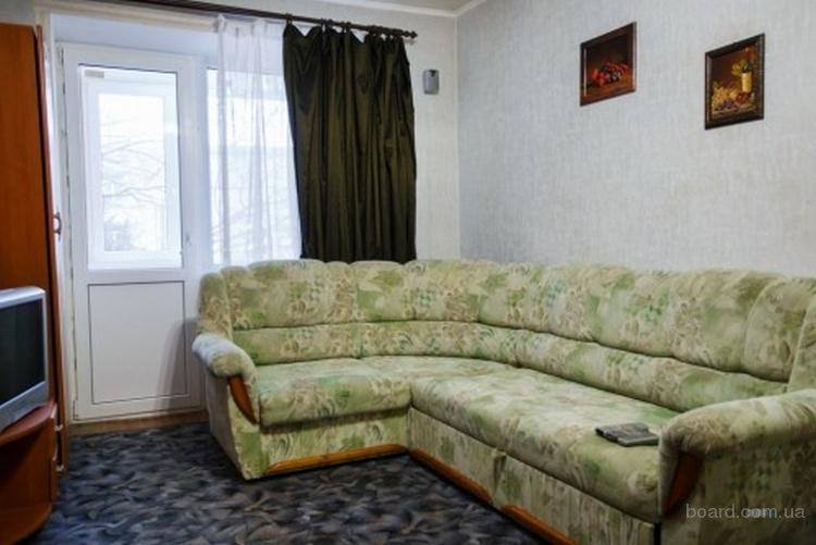 Посуточно 1-комнатная квартира Бровары центр