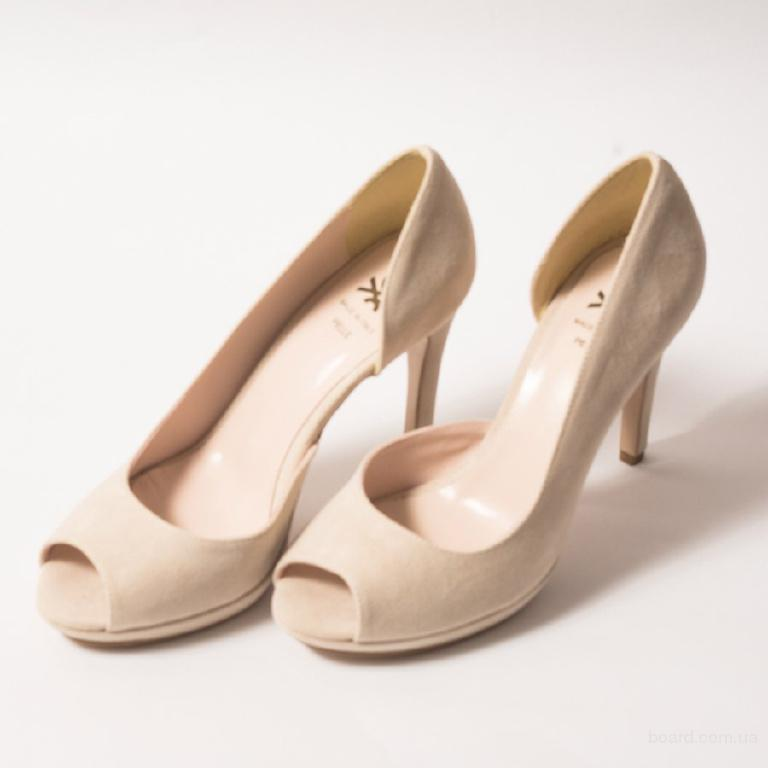 Жіночі туфлі від європейських брендів за вигідними цінами.