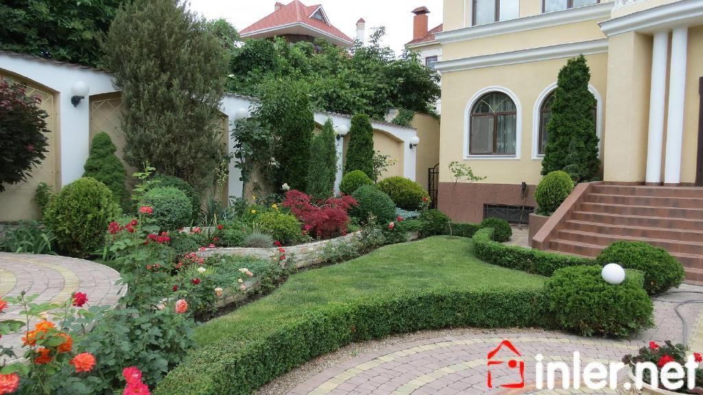 2032 Красивый дом с бассейном и ландшафтным дизайном в Аркадии