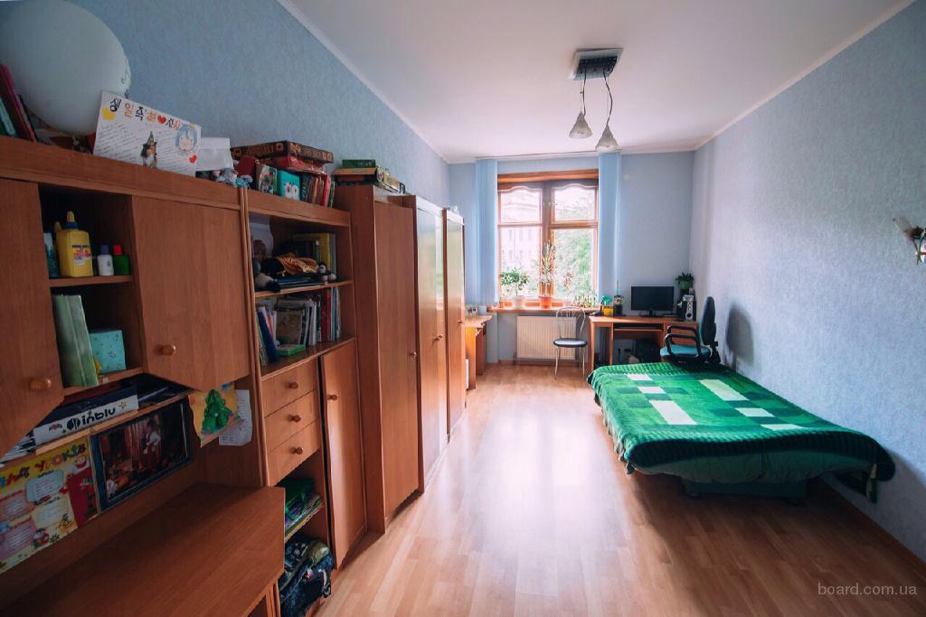 Продам 3-х комнатную квартиру в самом центре Житомира