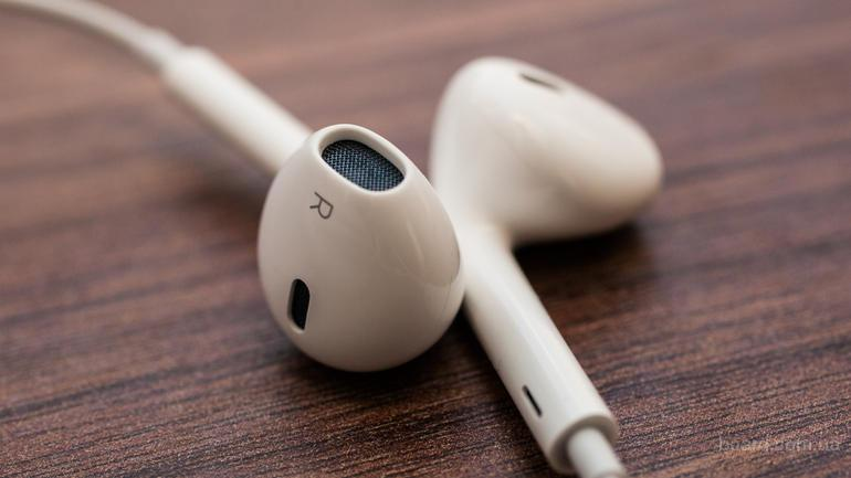 Наушники-вкладыши EarPods от Apple