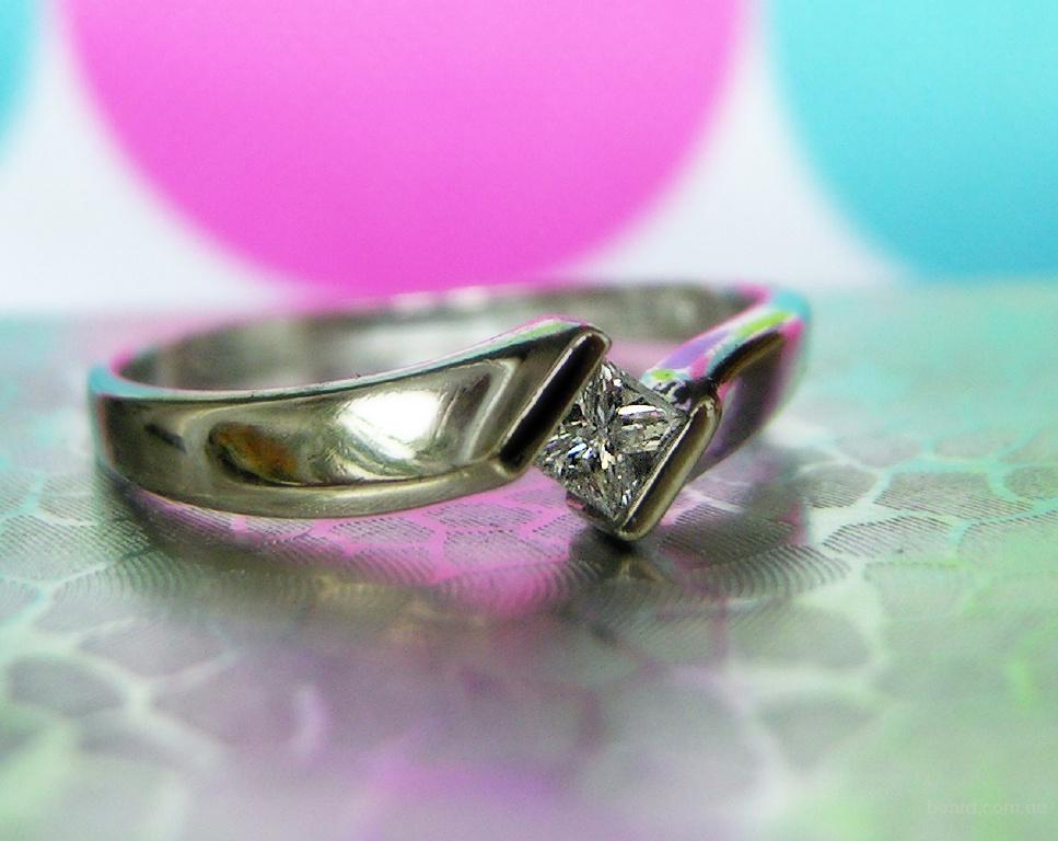 Кольцо с натуральным бриллиантом 1/5 карат