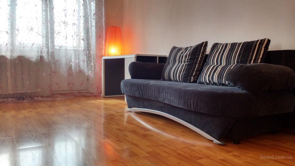 1-комнатная квартира с хорошим ремонтом, Антоновича 170, посуточно.