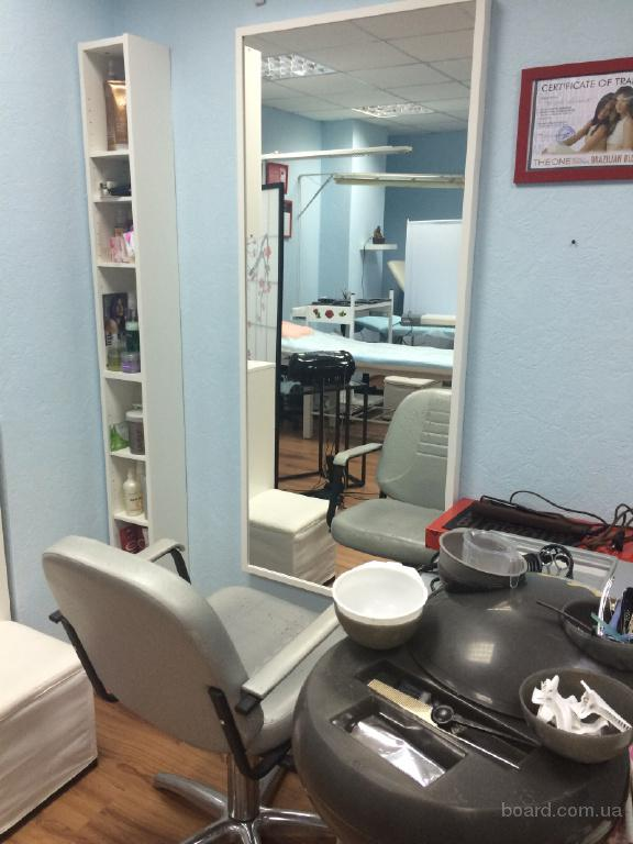 сдаю в аренду парикмахерское и маникюрное место
