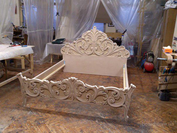 Мебель из дерева с резьбой по дереву