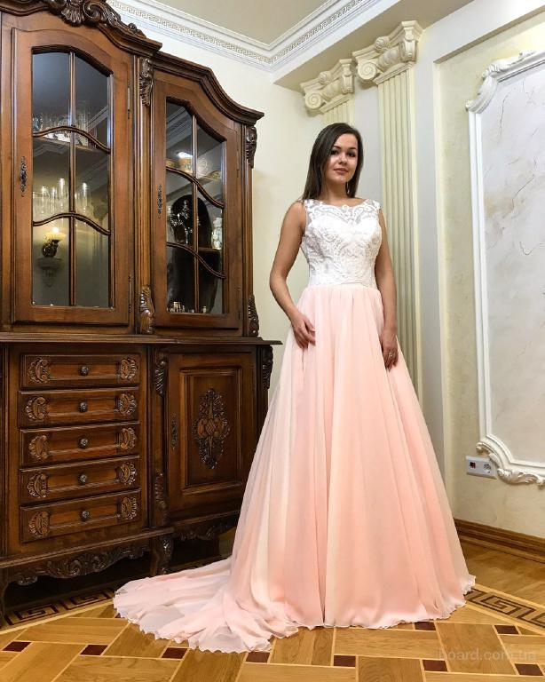 Фото изумрудное платье в пол