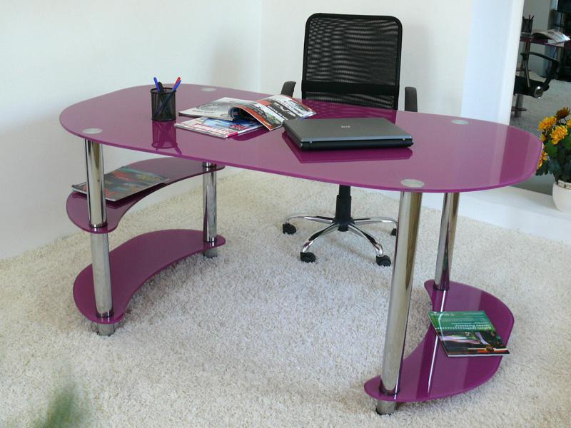 Компьютерные столы из стекла.