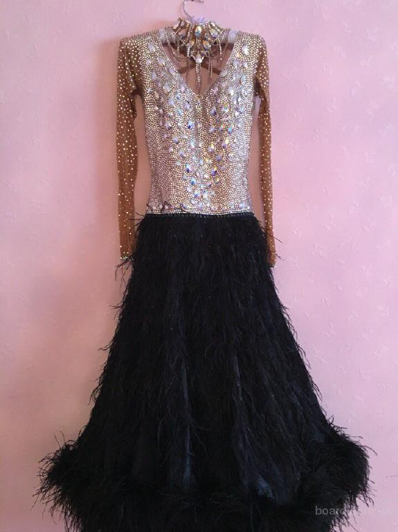 Продам стандартное платье