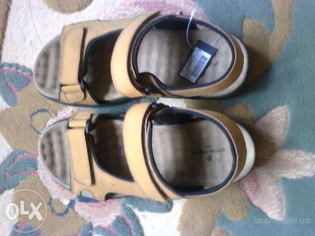 Продаю сандалии мужские желтого цвета pierre cardin размер 42