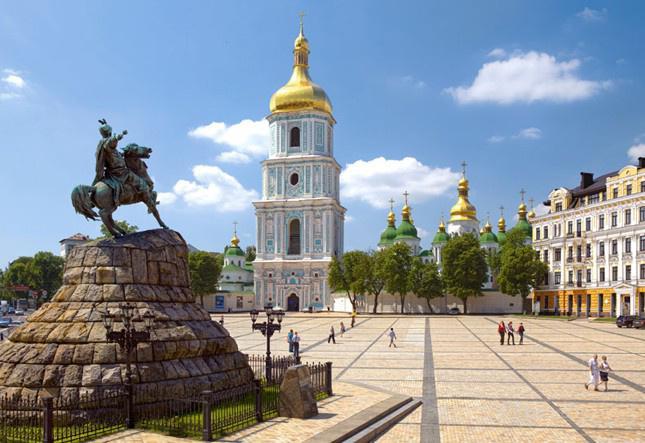 Екскурсії та тури по Україні недорого