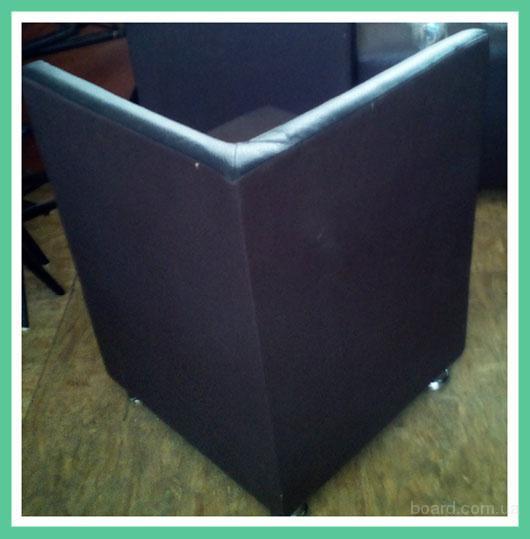 Кресла из кожзама бу. Кресла для кафе или бара.