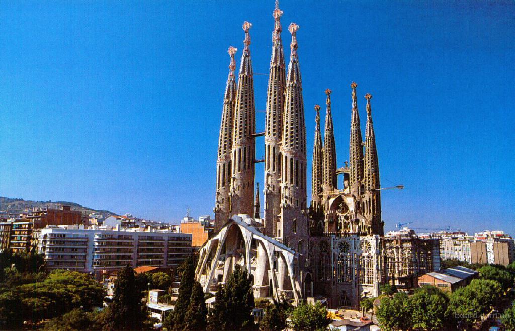 Комбитур Барселона+Гурмет уик энд+о.Тенерифе 11 дней
