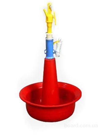 Автоматическая подвесная колокольная поилка для индюков.