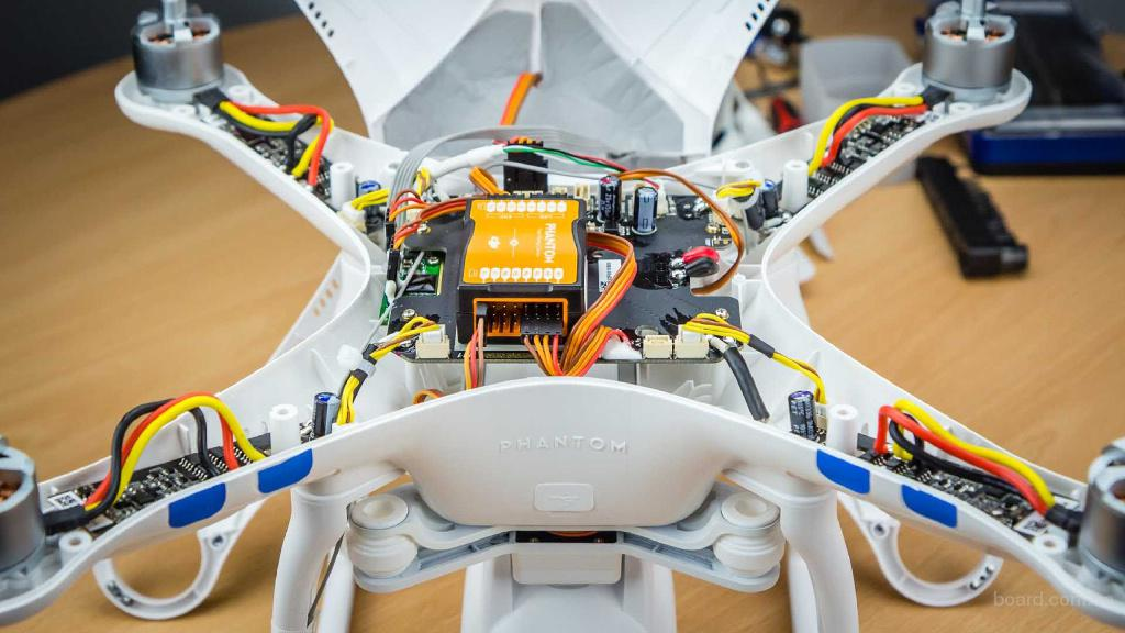 Профессиональный ремонт квадрокоптеров / дронов по лояльной цене
