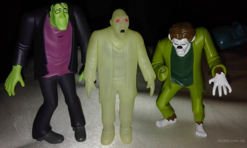 три фигурки зомби одним лотом