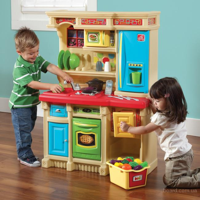 Интерактивная детская кухня Kompakt Step2 8348